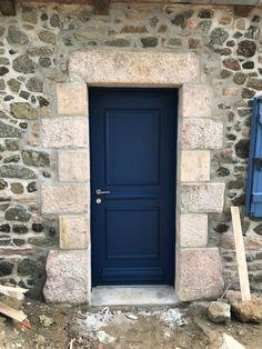 Habitats, Tall Cabinet Storage, Door Handles, Garage Doors, Outdoor Decor, Pose, Kitchen, Home Decor, Blue Doors