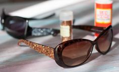 DIY Glitter Sunglasses #crafts #glitter #DIY #modgepodge Make you own glitter sunglasses with just a few items. Unique and interesting for the summer.