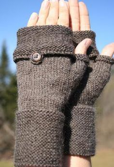 Oxford Mitts pattern by Amanda Lilley - Stirnband stricken Fingerless Gloves Knitted, Crochet Gloves, Knit Mittens, Knit Or Crochet, Knitted Hats, Loom Knitting, Knitting Patterns Free, Free Knitting, Crochet Patterns
