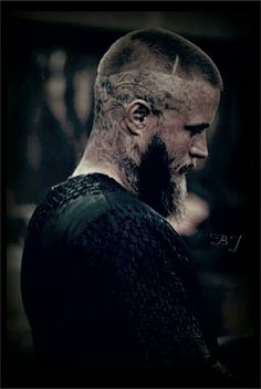 Travis Fimmel as Ragnar Lothbrok - Vikings - Ragnar Lothbrok Haircut, Ragnar Lothbrook, Ragnar Lothbrok Vikings, Vikings Tv Series, Vikings Tv Show, Vikings Travis Fimmel, Travis Vikings, Viking Character, Viking Series