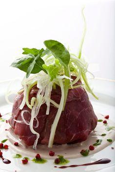 Sfera di Manzo! Uno dei piatti ideati dal nostro chef @umbertovezzoli
