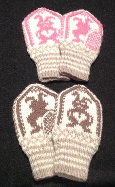"Baby mittins with cute rabbit, a recipe from the book ""Den store votteboka"" Den, Rabbit, Wool, Patterns, Recipe, Knitting, Store, Winter, Cute"