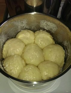 Lolo bun Fijian Recipes, Fiji Food, Island Food, Recipe Collection, Rice Recipes, Food Dishes, Resorts, Buns, Breads