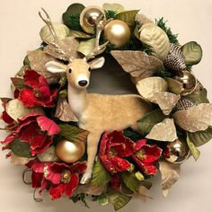 Christmas wreath with reindeer. Christmas Mesh Wreaths, Winter Wreaths, Door Wreaths, Christmas 2018 Ideas, All Things Christmas, Christmas Home, Christmas Crafts, Christmas Floral Arrangements, Welcome Wreath