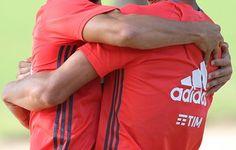 Recordar é viver: no Gre-Nal, Damião fez 3 gols e levou 2 canecos em 15 dias