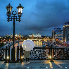 Москва. На Патриаршьем мосту.
