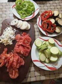 ΜΑΓΕΙΡΙΚΗ ΚΑΙ ΣΥΝΤΑΓΕΣ 2: Τουρλού -Λαχανικά !!! Veggie Recipes, Healthy Recipes, Veggie Meals, Eggplant Recipes, Veggies, Chicken, Ethnic Recipes, Food, Essen