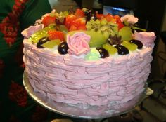 Strawberry Fresh Fruit Cake    A strawberry Fresh Fruit Cake is perfect for any occasion be it birthday or anniversary or any other function and an absolute delight for strawberry lover.