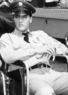 Elvis on the set of 'Blue Hawaii', 1961.