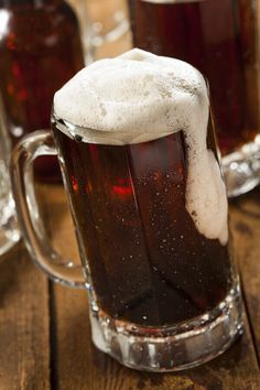 Recipes With Yeast, Beer Recipes, Alcohol Recipes, Drink Recipes, Yummy Recipes, Snack Recipes, Homemade Rootbeer Recipe, Homemade Vanilla, Mugs