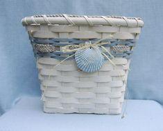 pretty oval wastebasket - Wood Weaving