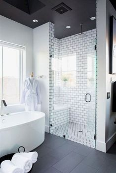 Cool small master bathroom remodel ideas (21) #bathroomremodeling