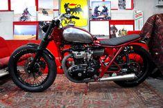Kawasaki W650 - BlitzMotorcycles - Pipeburn - Purveyors of Classic Motorcycles, Cafe Racers & Custom motorbikes