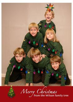 10 Family Christmas Photo Ideas