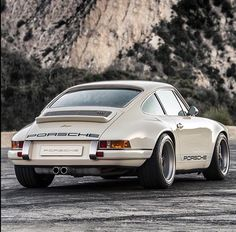 Car goals via by jimmystuartaustralia Porsche 911 996, Porsche Carrera, Cayman Porsche, Porsche Cars, Porsche Boxster, Singer Porsche, 911 Turbo S, Singer Vehicle Design, Classic Cars