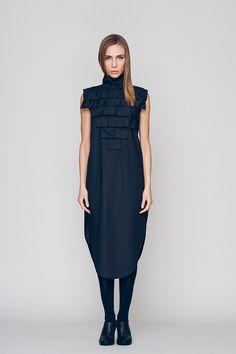 Langes elegantes Kleid mit auffälligem Kragen / dark blue long dress with extravagant collar made by Maria Queen Maria via DaWanda.com