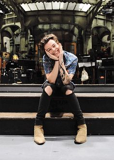 Still a cupcake shawn mendes, one direction harry styles, harry styles Harry Styles One Direction, Harry Styles Lindo, Harry Styles Smile, Harry Styles 2015, One Direction Photos, Harry Styles Cute, Harry Styles Pictures, Harry Edward Styles, Harry Styles With Baby