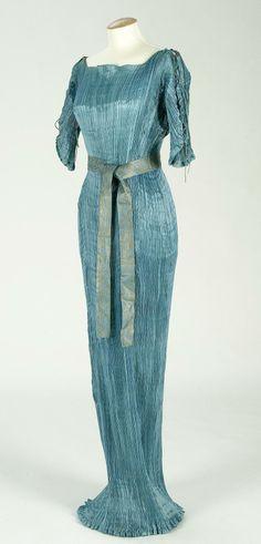 """Dress """"Delphos,"""" by Mariano Fortuny, 1900-09, Imatex"""