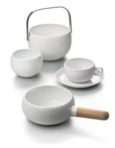 Service de tableOn retrouve dans cette ligne une certaine fascination de l'esthétique japonaise.Service de table « Teema » et verres « Kartio », Ka...