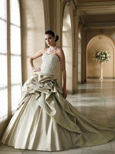 Stunning wedding dress www.finditforweddings.com