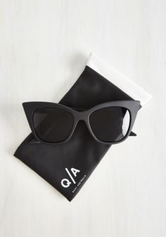 Modern Love Of My Life Sunglasses in Noir. Your ardor for these Modern Love sunglasses by Quay endlessly inspire a plethora of charming, cohesive looks! #black #modcloth
