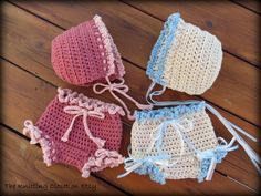 Crochet Diaper Cover Pattern, Crochet Baby Hat Pattern, Newborn Photo Prop - Bloomer and Bonnet - pinned by pin4etsy.com