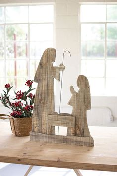 Wooden Christmas Crafts, Pallet Christmas Tree, Rustic Christmas, Christmas Art, Christmas Projects, Outdoor Wooden Christmas Decorations, Thanksgiving Wood Crafts, Winter Wood Crafts, Christmas Nativity Set