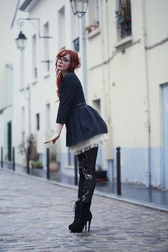 That skirt with those boots. Totally worthy of a sexy booty tooch!
