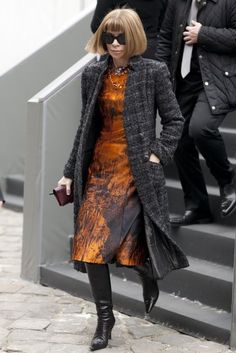Très Chic! The Best Street Style at Paris Fashion Week: Anna Wintour was easy to spot in her signature look.