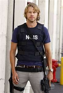 Eric Christian Olsen. He has the scruffy cute down pat.