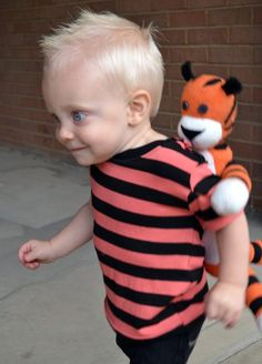 Feather's Flights {a creative, sewing blog}: Calvin and Hobbes Halloween Costume