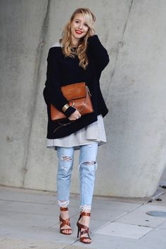 ohhcouture.com   Destroyed used jeans, oversized knit, layering, striped blouse, snake print heels, Chloé Faye bag   Hamburg #ohhcouture #LeonieHanne