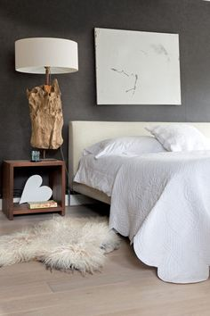 donkerbruine muur in de slaapkamer vtwonen