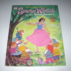 Vintage 1970s Walt Disney Presents Snow White and the Seven Dwarfs Paper Doll Book for Children Uncut by Whitman