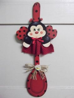 Ladybug (minus the spoon part) Wooden Spoon Crafts, Wood Spoon, Fun Crafts, Crafts For Kids, Arts And Crafts, Tole Painting, Painting On Wood, Lady Bug, Small Wooden Projects
