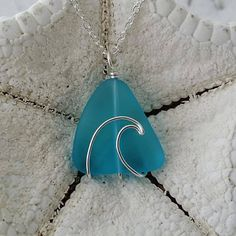 Handmade in Hawaii, wire wrapped ocean wave blue sea glass necklace,Sea glass jewelry, 925 sterling silver chain, gift box - Schmuck - Meer Wire Wrapped Jewelry, Wire Jewelry, Beaded Jewelry, Wire Bracelets, Wire Rings, Jewlery, Wire Wrapped Stones, Handmade Jewelry, Necklaces
