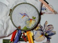 """broderie traditionnelle : peinture à l'aiguille, broderie blanche, jours et applications par des """"piqués de broderie"""" et tous travaux d'aiguilles"""
