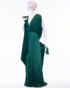 Defunct Fashion Madame Gres, 1970s Dresses, Studio 54, Beautiful Gowns, Fashion History, Playing Dress Up, Vintage Fashion, Guys, Fashion Design
