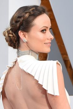Olivia Wilde trägt Flechtzopf mit Chignon bei den #Oscars 2016 II Foto @Getty Images II #braid #frenchbraid #dutchbraid #oliviawilde