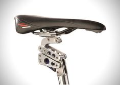 BODYFLOAT BIKE SEAT POST EQUIPPED WITH SUSPENSION SYSTEM