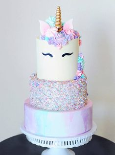 An Easy Chocolate Ganache Recipe For Everything - Making chocolate ganache is really easy. Just heat up some cream, pour it over your chocolate and w - Easy Unicorn Cake, Unicorn Cake Pops, Unicorn Cakes, Unicorn Party, Unicorn Birthday Cakes, Unicorn Themed Cake, Baby Unicorn, Bolo Nerf, Easy Chocolate Ganache
