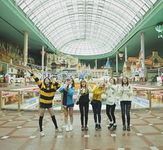 LABOUM - ZN + Yulhee + Yujeong + Soyeon + Hae In + Solbin