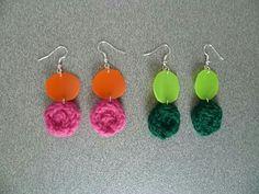 Orecchini in lana e plastica riciclata