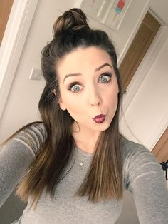 we are arт, вυт even тнe мoѕт вeaυтιғυl paιnтιngѕ can вυrn Zoella Makeup, Zoella Beauty, Hair Makeup, Hair Beauty, Hair Inspo, Hair Inspiration, Georgia, Zoe Sugg, Perfect Selfie