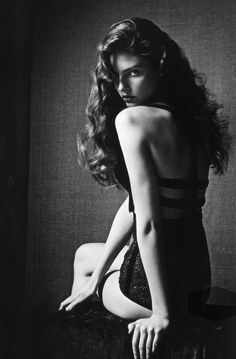 Classic - Vintage - Boudoir - Portrait - Black and White - Photography - Pose