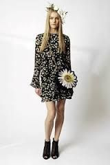 moschino cheap and chic can i have the entire outfit please! Moschino, Elie Saab, Off White, Celebrity Style Dresses, Modelos Fashion, Hippie Chic, All About Fashion, Fashion Addict, Bottega Veneta