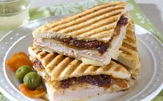 With fall knocking at our doors this Autumn Apricot & Turkey Panini would be a great Sunday afternoon lunch.  Add some soup and eat up.