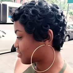 Curls on curls by #NYCStylist ➰➰➰ @livelifemichxoxo ❤️ #voiceofhair ========================== Go to VoiceOfHair.com ========================= Find hairstyles and hair tips! =========================