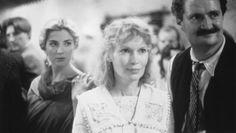 Still of Jim Broadbent, Mia Farrow and Natasha Richardson in Widows' Peak (1994)