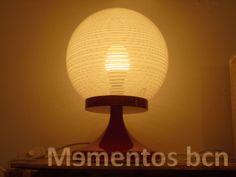 Lámpara de pie rojo